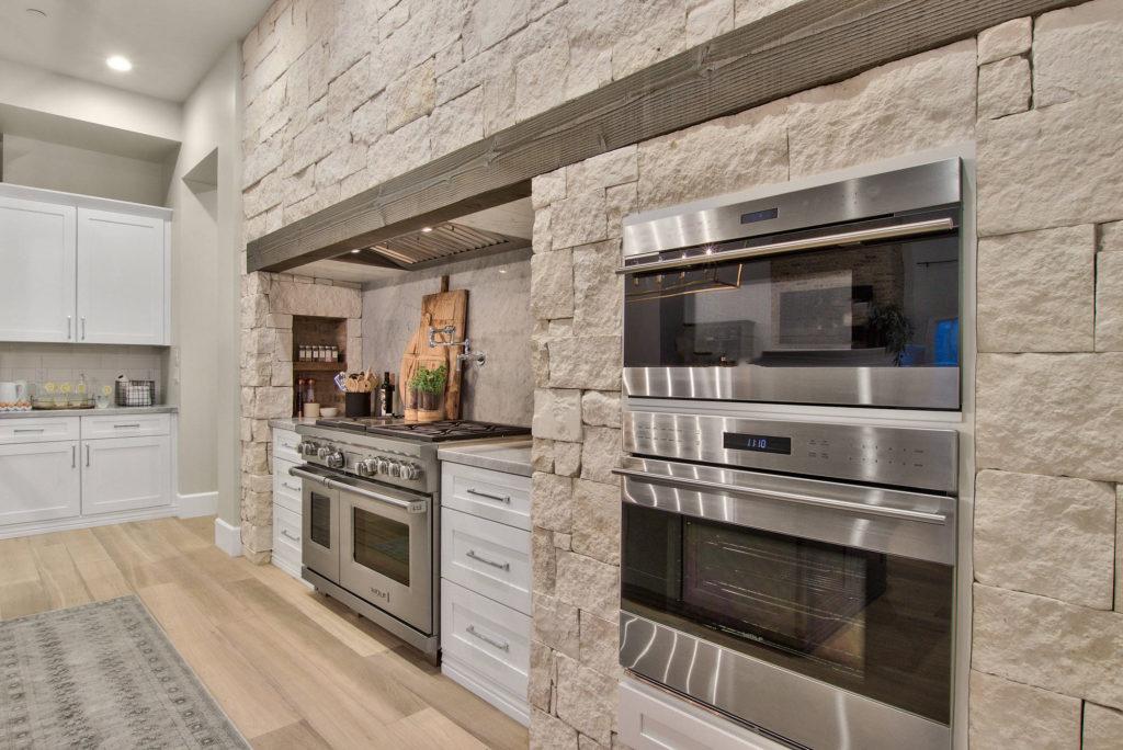 Modern-Farmhouse-Design-Kitchen-Featuring-Wolff-Subzero-Appliances