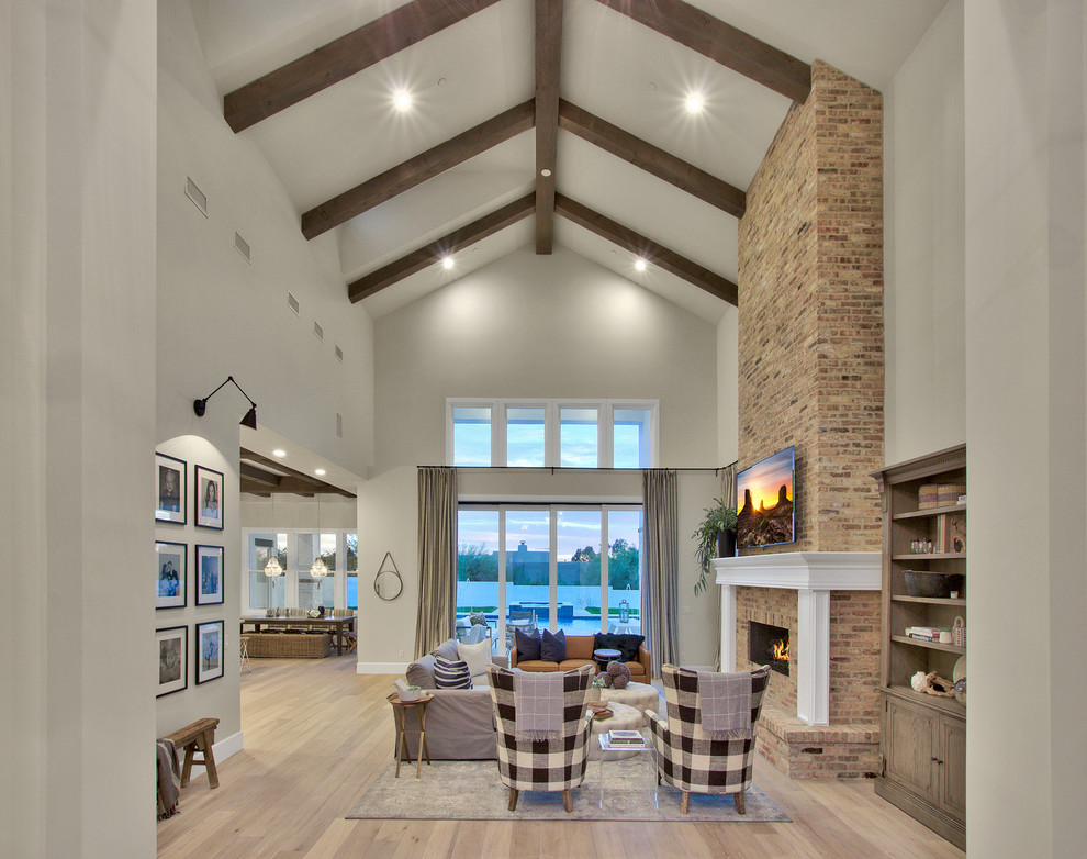Modern-Farmhouse-Living-Room-Design-Featuring-High-Ceiling-Beam-Work